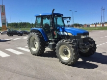 Трактор NEW HOLLAND 120